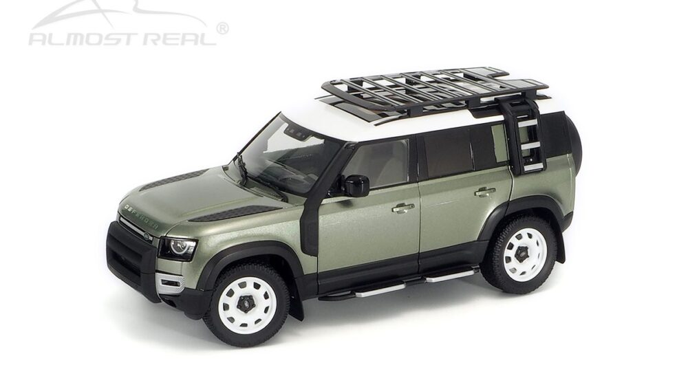 Almost Real 1:18 Land Rover Defender 110